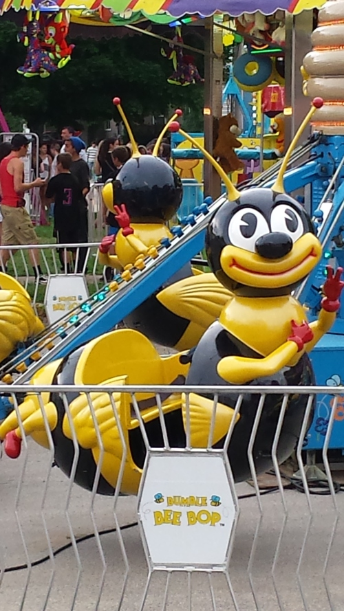 A creepy-bee ride.