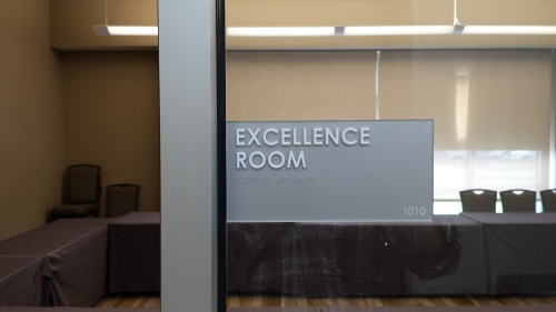 "iHotel, Champaign, Ill., 14 April 2015. The pretension of naming an ""Excellence Room."""