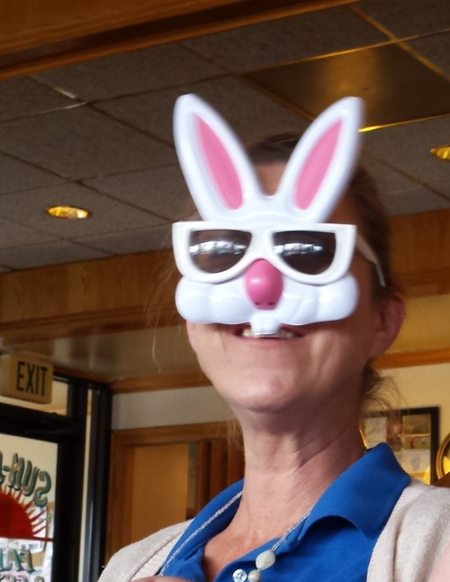 Kim Waitress, at the diner, Saturday, 18 April 2015