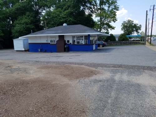 View of Mel's Dairy Dream from the south.